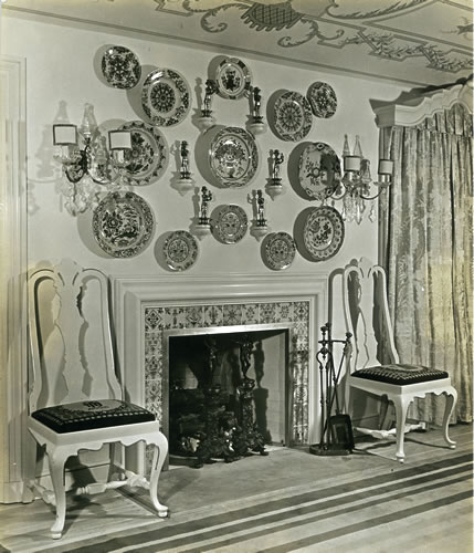 Dining Room: 18th century Delft fireplace tiles from Brunswick, Maine