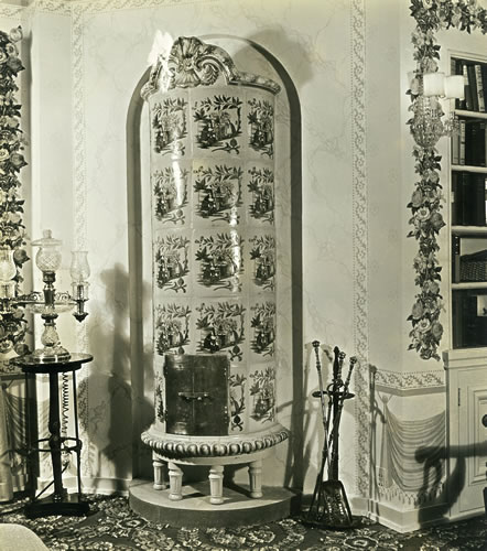 Master bedroom: 18th century Swedish porcelain stove